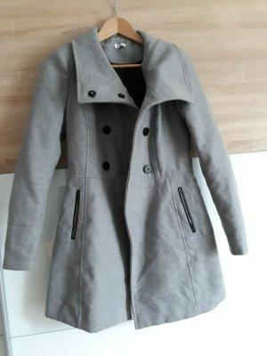 Grauer Mantel von Pimkie Größe 36