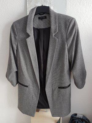 Grauer oversize Blazer von New Look