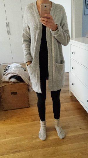 Grauer Oversize Cardigan