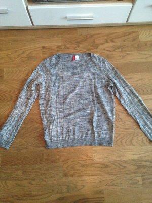Grauer Pullover Gr. S