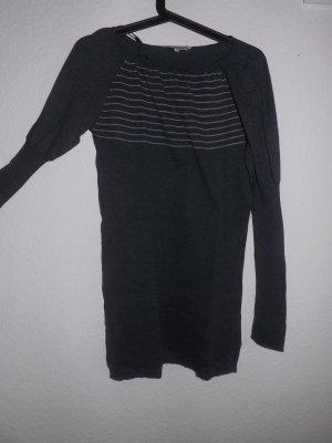 Grauer Pullover, Größe L