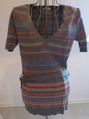 grauer Pullover Kurzarm mit buntem Streifenmuster