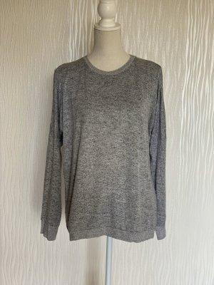 online retailer 0db7e 53131 Grauer Pullover mit Schulter Cutouts