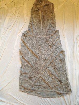 Grauer Pullover mit Sternchen
