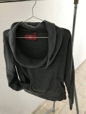 Grauer Pullover mit weitem Kragen - wie NEU