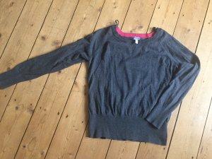 Grauer Pullover von Bench