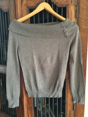 Grauer Pullover von Esprit mit Carmenausschnitt