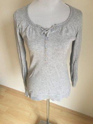 Grauer Pullover von H&M
