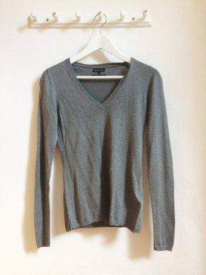Grauer Pullover von Massimo Dutti