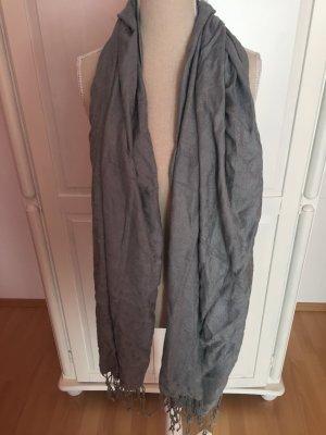grauer Schal/Tuch weich