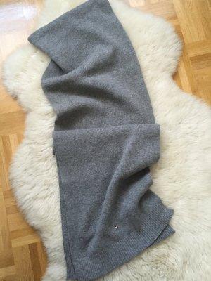 Grauer Schal von Tommy Hilfiger