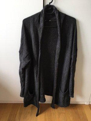 Grauer Strick-Cardigan mit Taschen