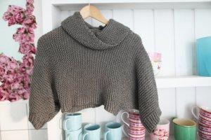 grauer Strick Kurzarm Pullover