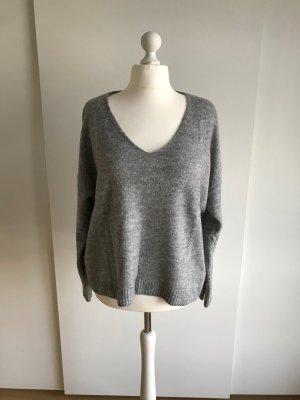 H&M Jersey con cuello de pico gris