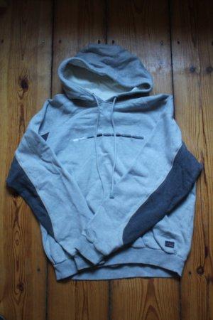 Grauer Sweater zu verkaufen