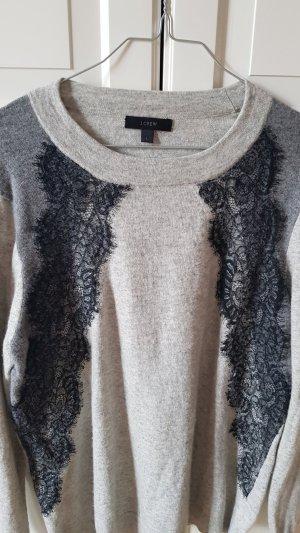 Grauer Woll-Pulli mit Spitzen-Besatz