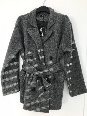 0039 Italy Abrigo corto gris
