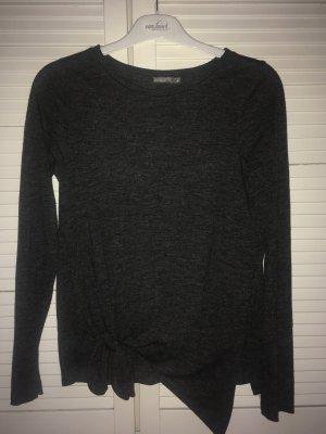 graues asymmetrisches shirt zum knoten von Zara