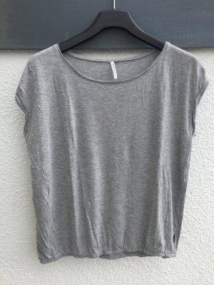 Graues Basic-Shirt von reserved