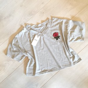 Graues Crop Top mit Rose