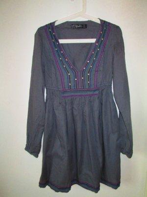 Graues Etno Kleid von Zara
