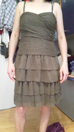 graues gestuftes Kleid von ESPRIT