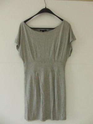 Graues Jersey-Kleid von Mango