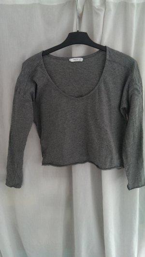 Graues, kaum getragenes Sweatshirt