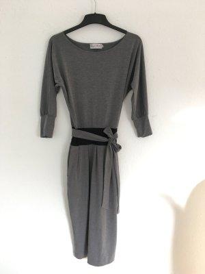 Robe mi-longue gris-noir viscose