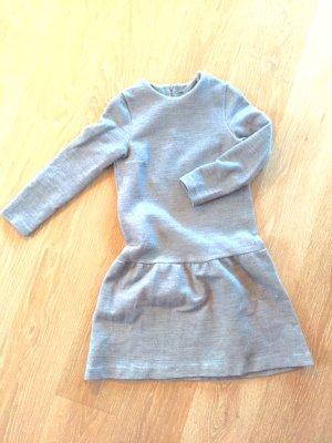 Graues Kleid aus Sweatshirtstoff