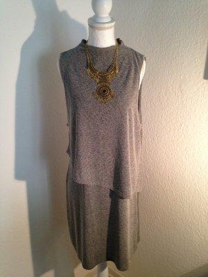 Graues Kleid aus T-Shirt Stoff