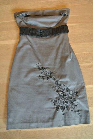 Graues Kleid mit Blumenstickerei von Vero Moda Gr. 36