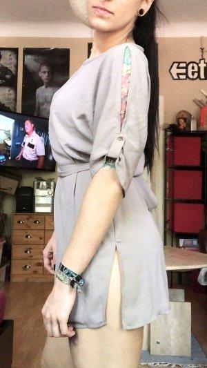 Graues Kleid mit Schlitzen S/M