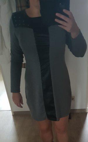graues kleid mit schwarzen Detail