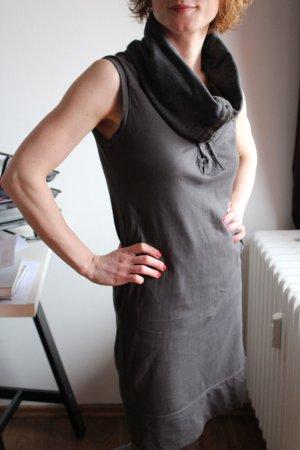 Graues Kleid von Bench