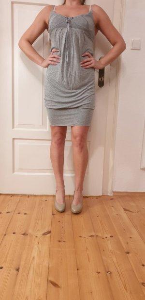 Graues Kleid von Mötivi