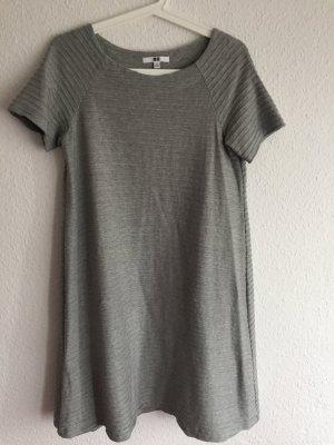 graues Kurzarm-Kleid, A-Linie *Uniqlo*