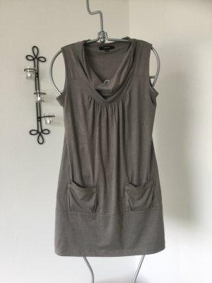 Graues kurzes Kleid von Comma