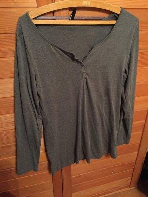 Graues langarm Shirt