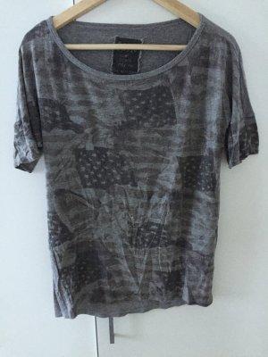 Graues Print-Shirt von Zara