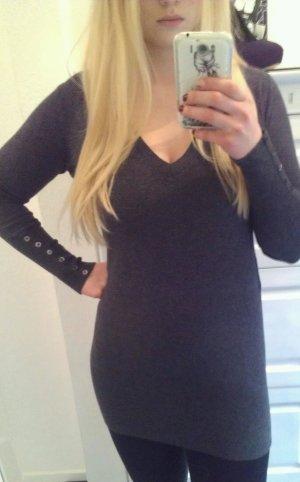 graues Pulloverkleid von Zara