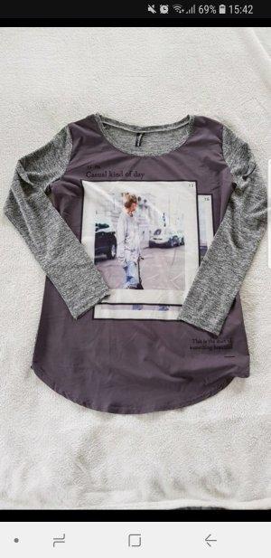 Graues Shirt mit Aufdruck S
