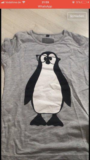 Graues Shirt mit Pinguin
