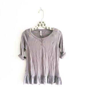 graues shirt / vintage / rüschen / romantic / edgy