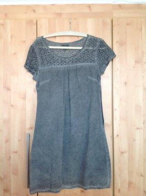 Graues Sommerkleid oilwashed mit Spitze