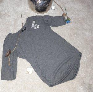 graues Sweatshirt mit Schrift