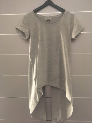 Graues T-Shirt mit Schlitz hinten Gr. XS