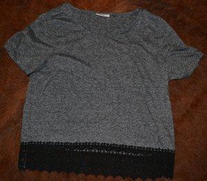 Graues T-Shirt mit schwarzer Spitze