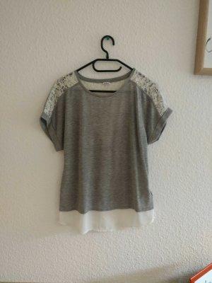 graues T-Shirt mit Spitze