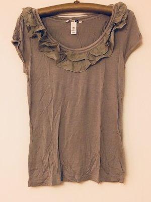 Graues T-Shirt mit Volantausschnitt
